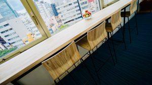 窓際ハイテーブル2